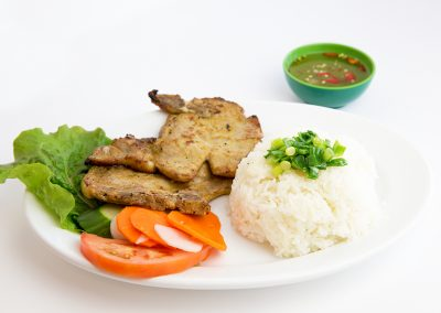Grilled pork chop with steamed rice