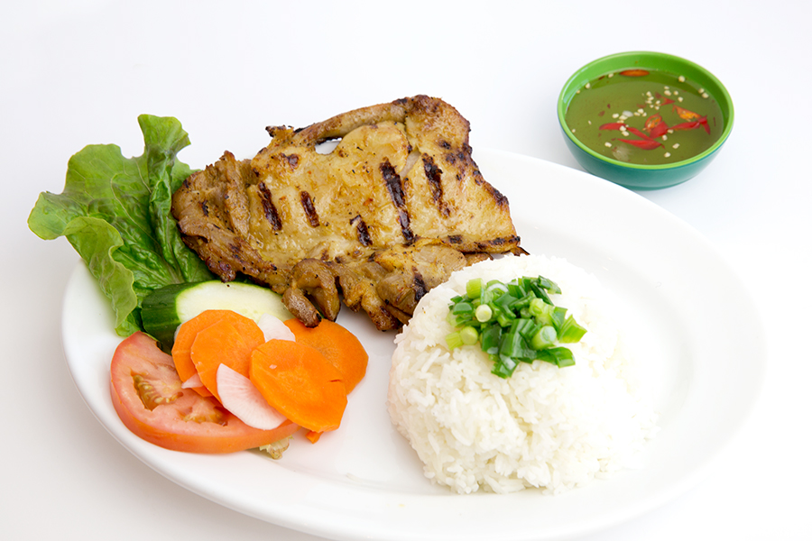 Grilled chicken with steamed rice